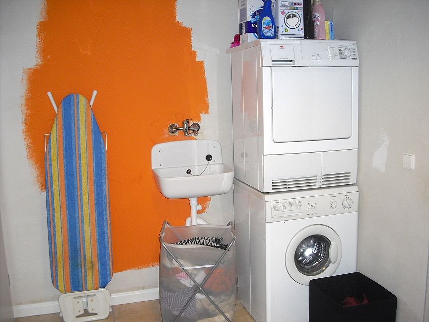 inside 9 b laundry room again vorher before. Black Bedroom Furniture Sets. Home Design Ideas