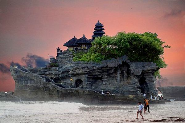 10 Most Amazing Places On The Planet