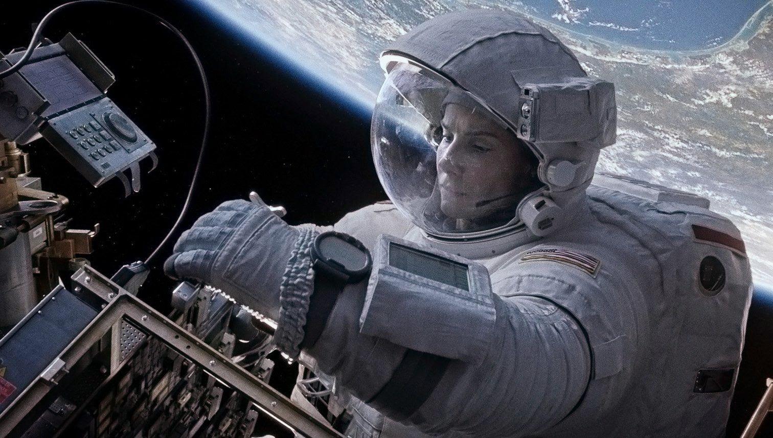Gravity+image+Sandra+in+space.jpg