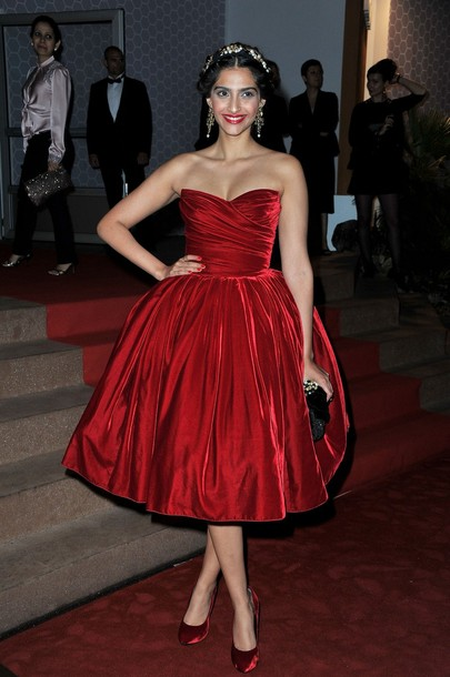 Sonam Kapoor Cannes 2012 dolce and gabbana