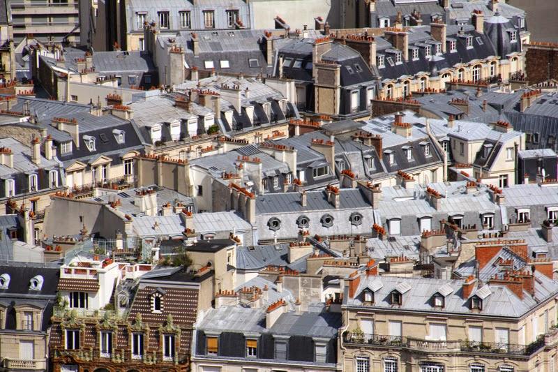 Sur les toits de Paris.