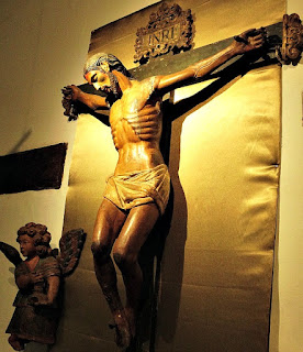 Cristo na Cruz, na Sala do Mistério Pascoal do Museu Diocesano de San Ignacio Guazu, no Paraguai.
