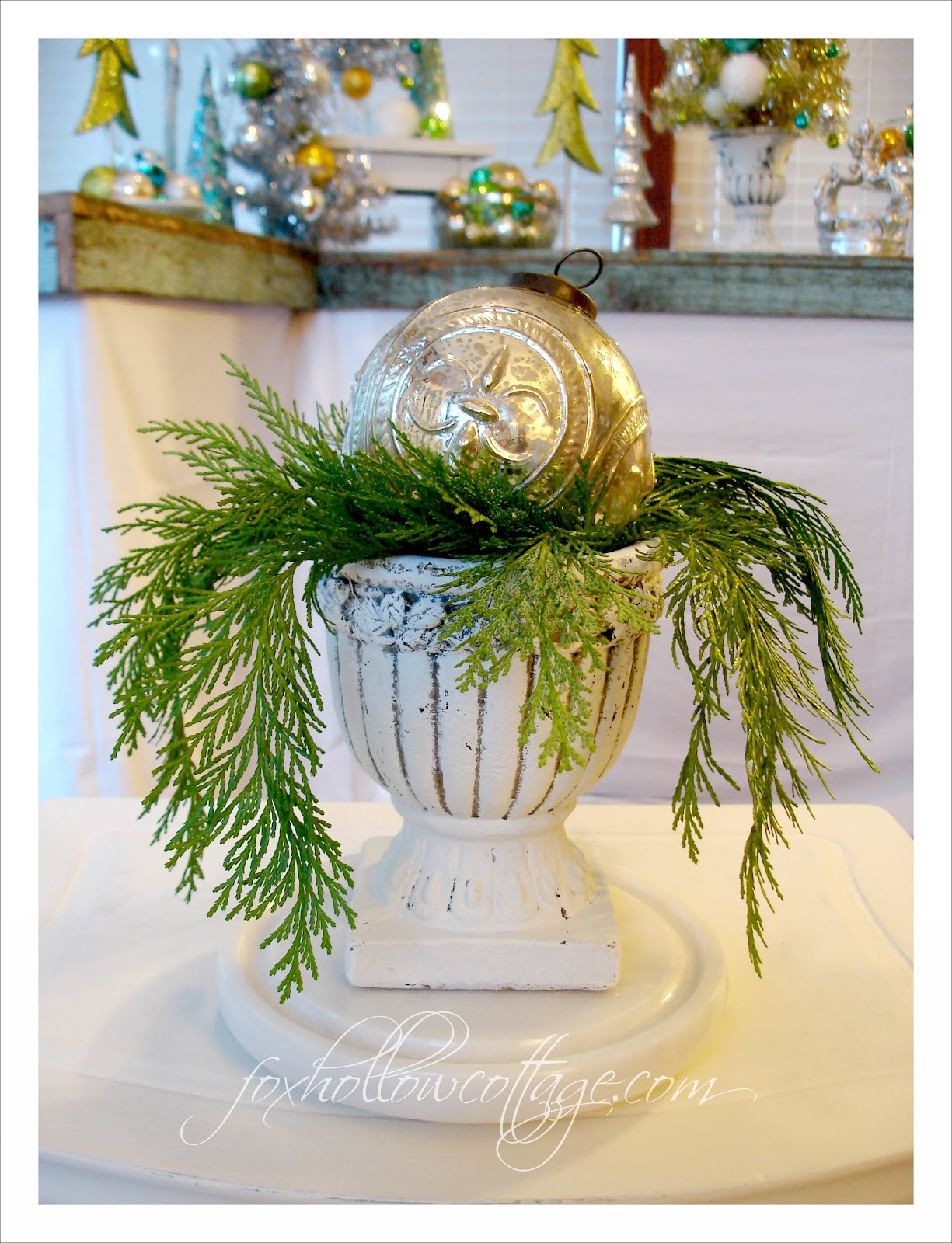 pictures of decorated outdoor christmas urns