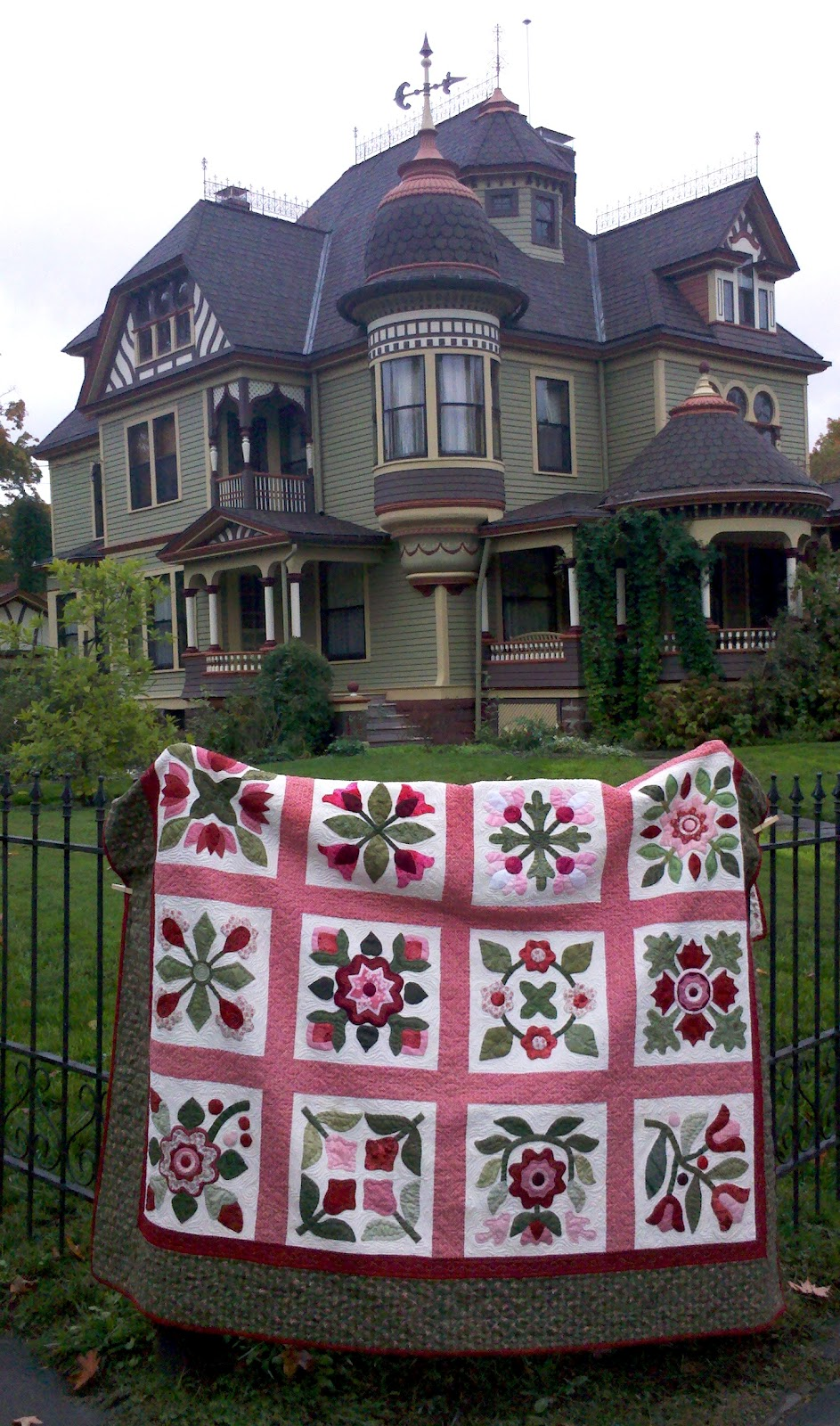 Karen\'s Quilts, Crows and Cardinals: Airing of the Quilts!