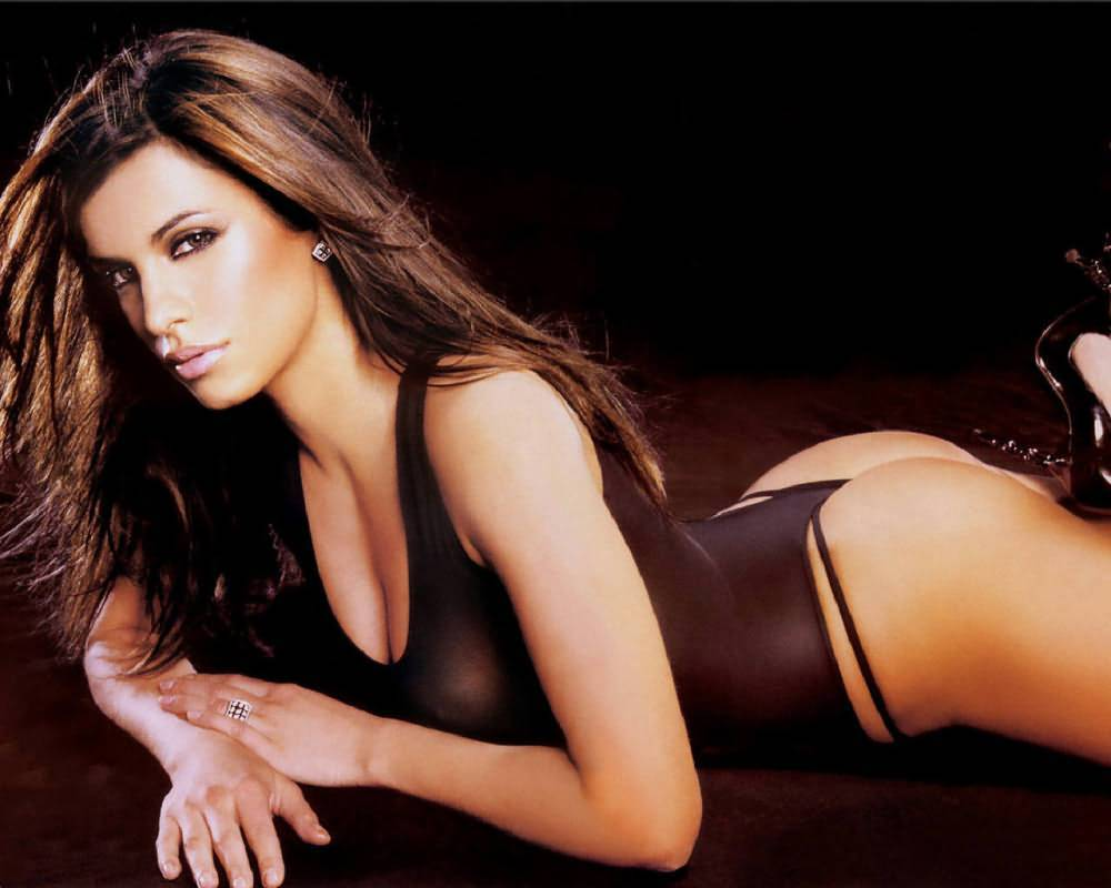 Elisabetta Canalis Nude For PETA 1 The 32 year old Italian model and TV host, girlfriend of George Clooney, ...