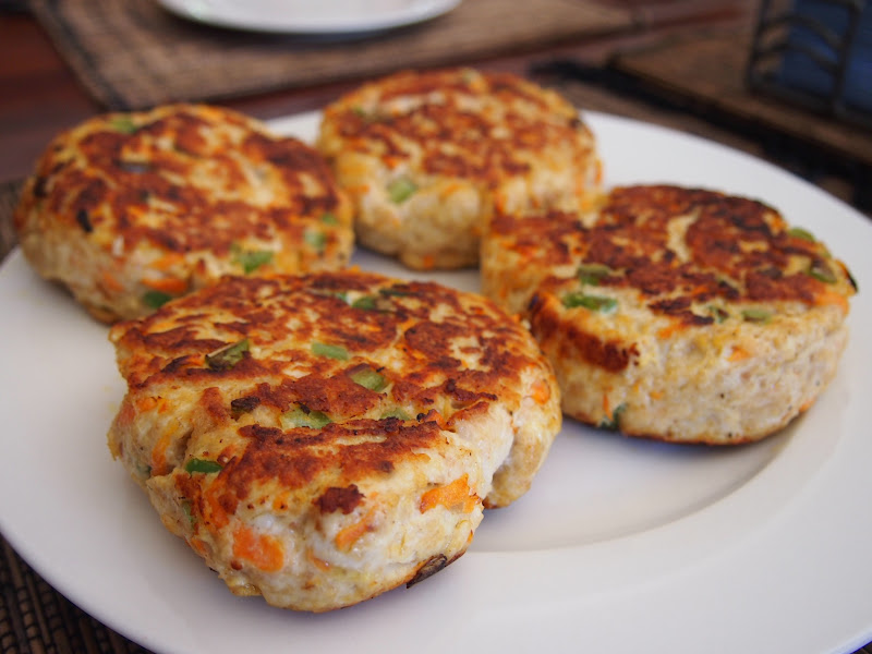 how to make chicken burgers from chicken mince