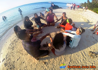 wisata pantai karimun jawa