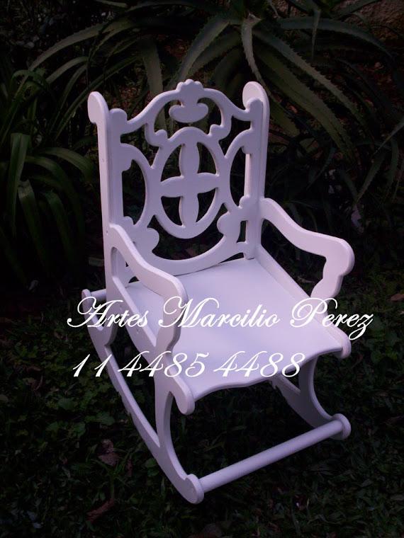 cadeira de balanço infantil  R$ 130,00