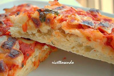 pizza soffice con lievito madre ricetta base per pizza morbida