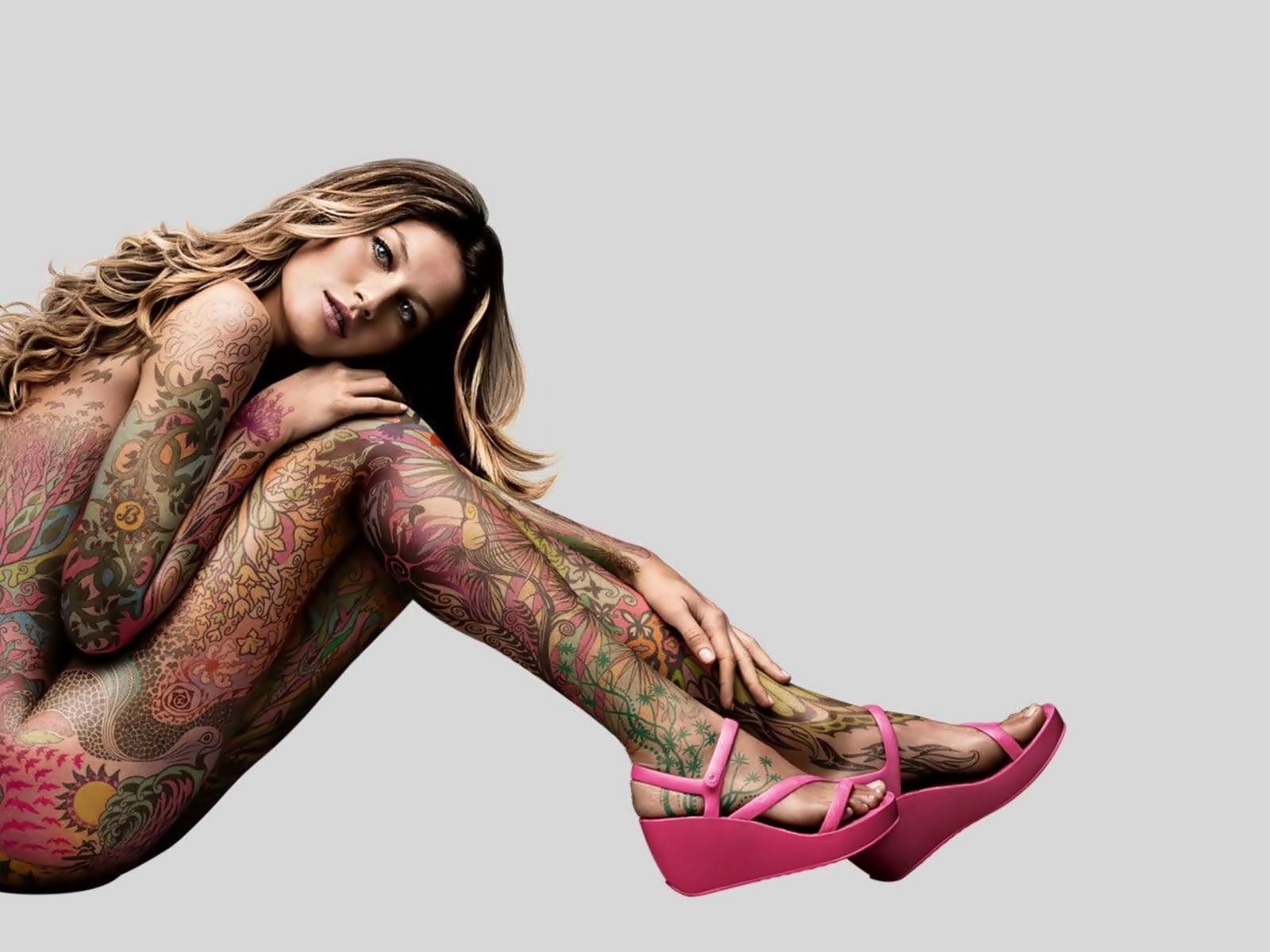 Hot Naked Tattoo 119