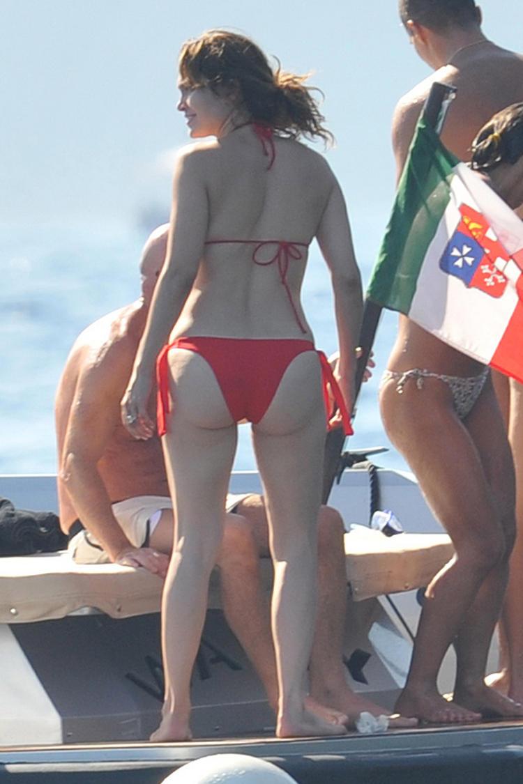Jennifer Lopez Ass Bikini