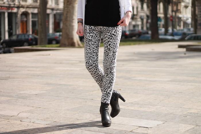 noir et blanc léopard jeans