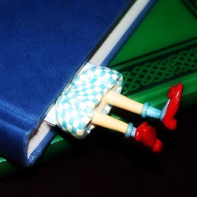 ezilmiş kitap ayracı