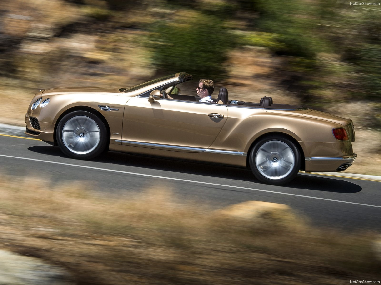 Hình ảnh xe ô tô Bentley Continental GT Convertible 2016 & nội ngoại thất