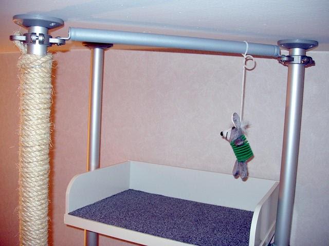 Fabrica un gimnasio vertical para gatos con ikea - Estanterias para gatos ...