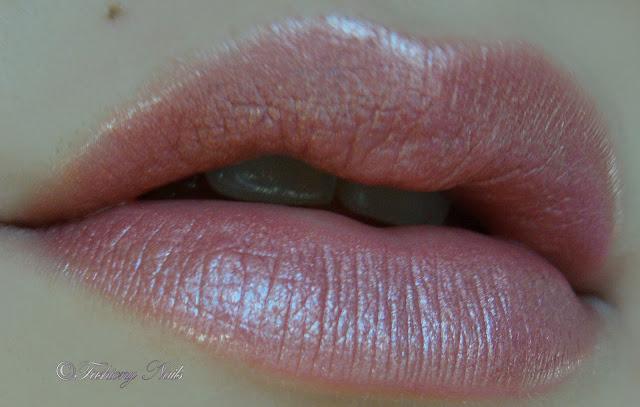 NYX round lipstick in Ceto
