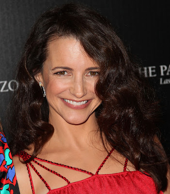 Kristin Davis Long Curls Hairstyle