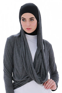 Model cardigan terbaru busana wanita masa kini