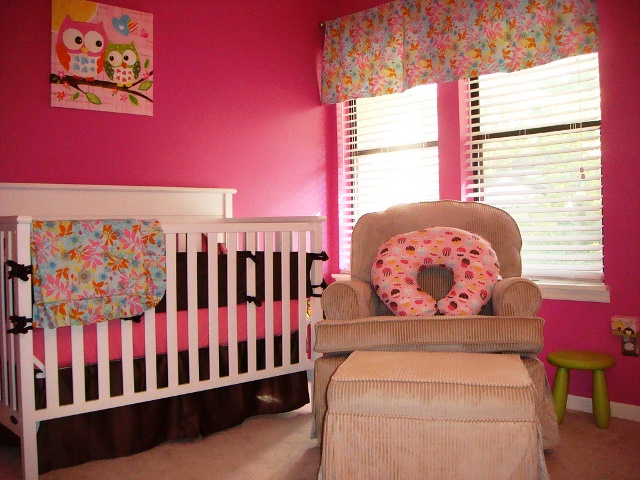 best color to paint a baby girl's room