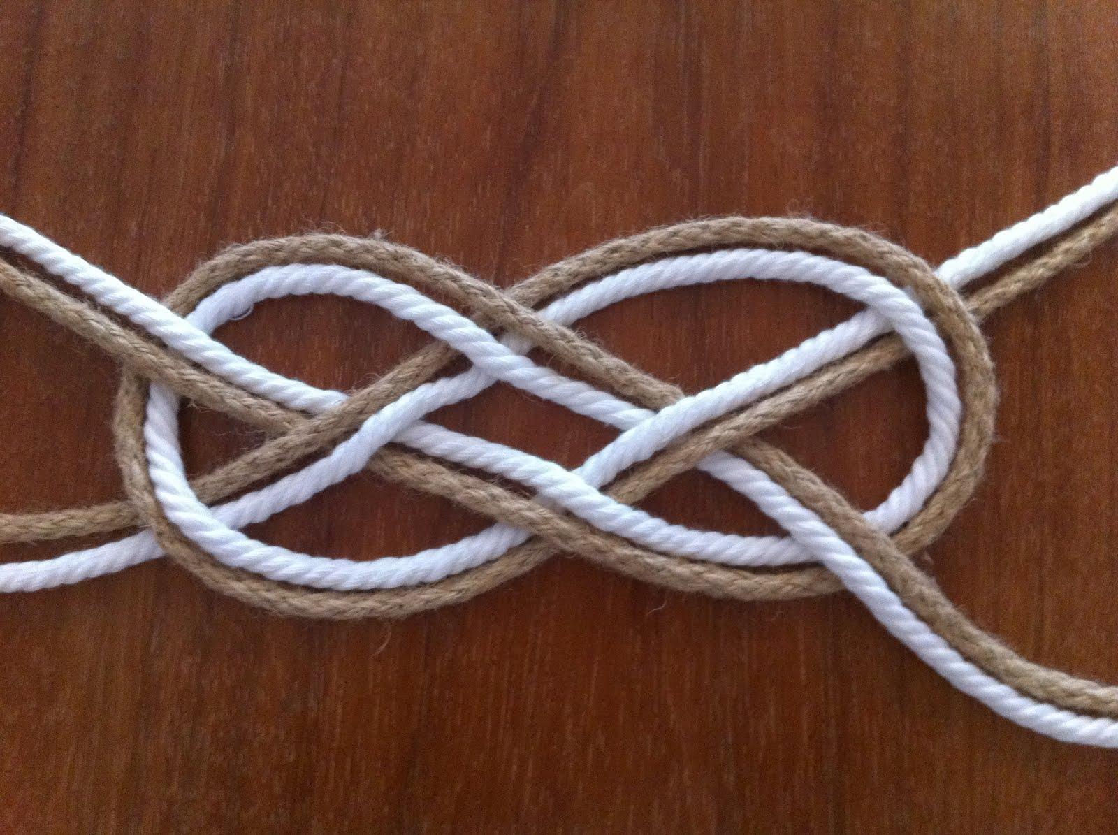 Как сделать на руке с веревкой