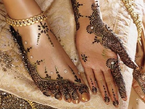 Bridal Foot Mehndi designs - Latest Wedding mehndi Designs 2011