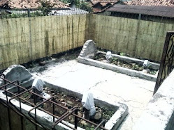 Makam , Pengurus Pedati di Rumah tuan tanah di Citeureup tempo dulu
