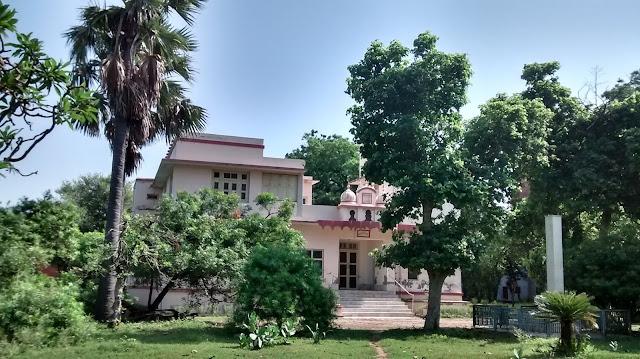 vrindavan, anandomoyee ma ashram