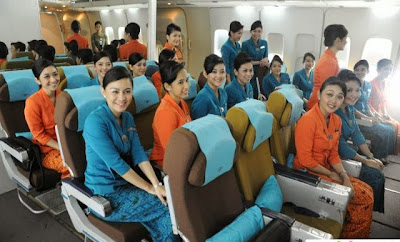 Foto-foto Pelatihan Pramugari Cantik Garuda Indonesia