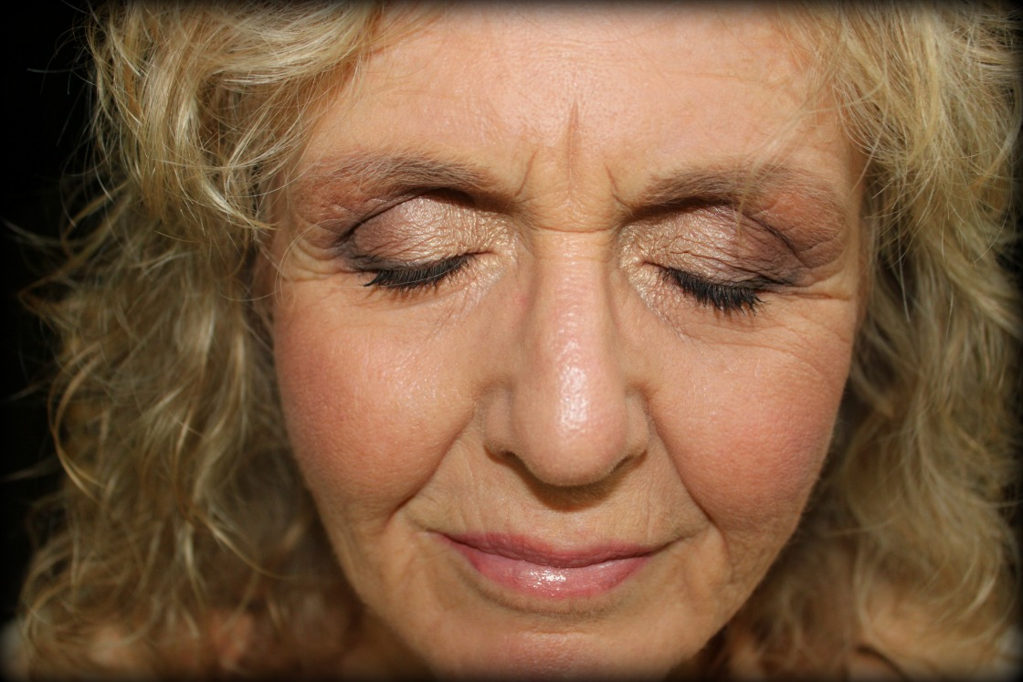 Make-up Artistry by Leah Harvey: Mature Makeup- Gorgeous at 62!!