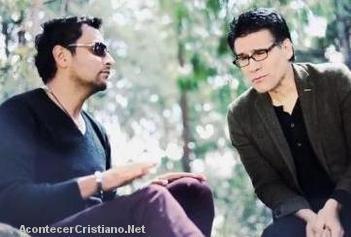 """Alex Campos y Jesús Adrián Romero cantan a dúo """"Suave voz"""""""