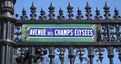 Discussing Alzheimer's on the des Champs-Élysées