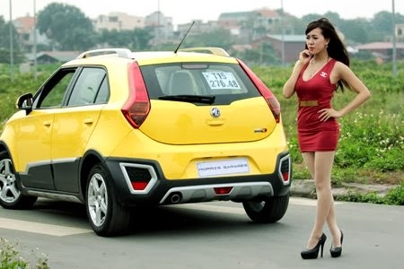 Hot Girl Mai Tho - Beautifull with car