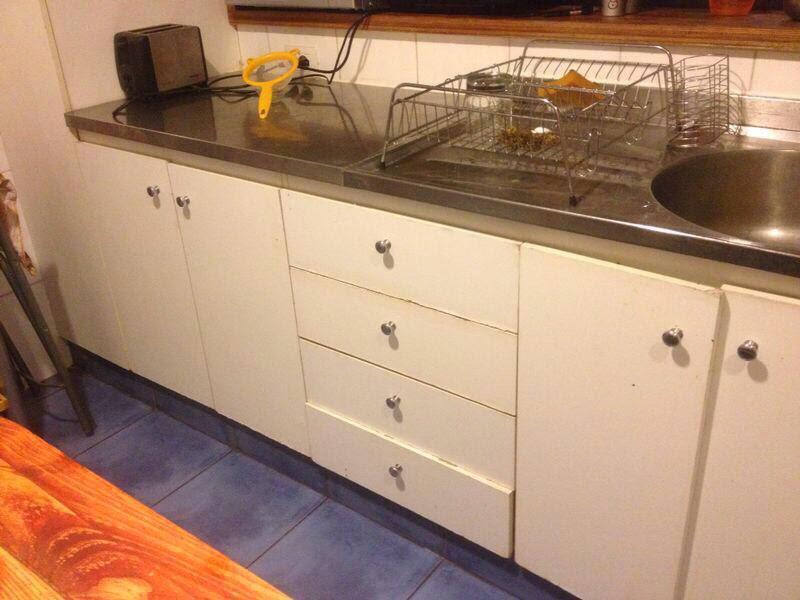 Restaurado de muebles de cocina con for Tablas de cocina profesionales