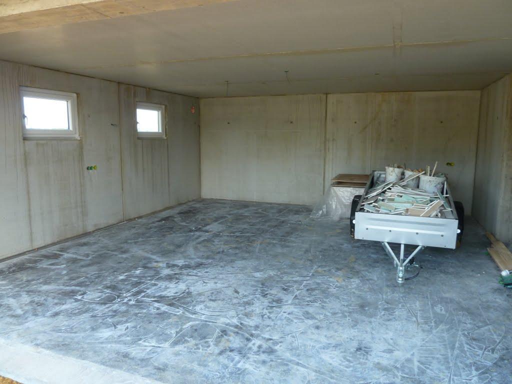 hausbau tina und manuel terasse und garagenboden betonieren. Black Bedroom Furniture Sets. Home Design Ideas