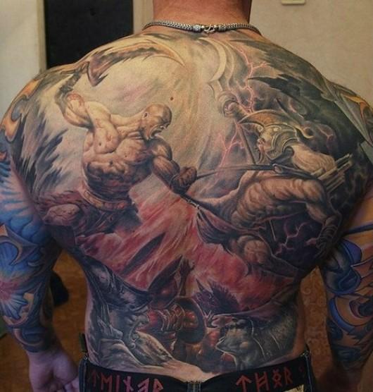 Tatuagem Gigante nas costas