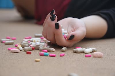 bullying bisa mengakibatkan korbannya depresi dan berujung pada usaha bunuh diri.