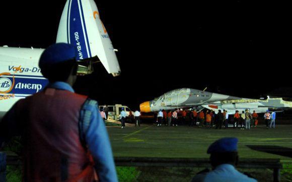 Dua Sukhoi Su-30MK2 Tiba di Makassar