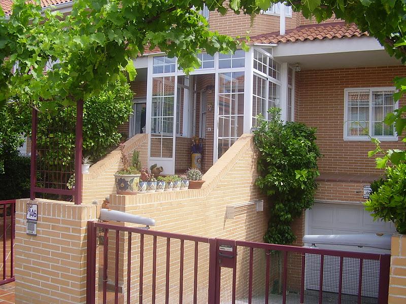 Cerramientos y cristaler as de viviendas en la zona de for Piscina cubierta alcorcon