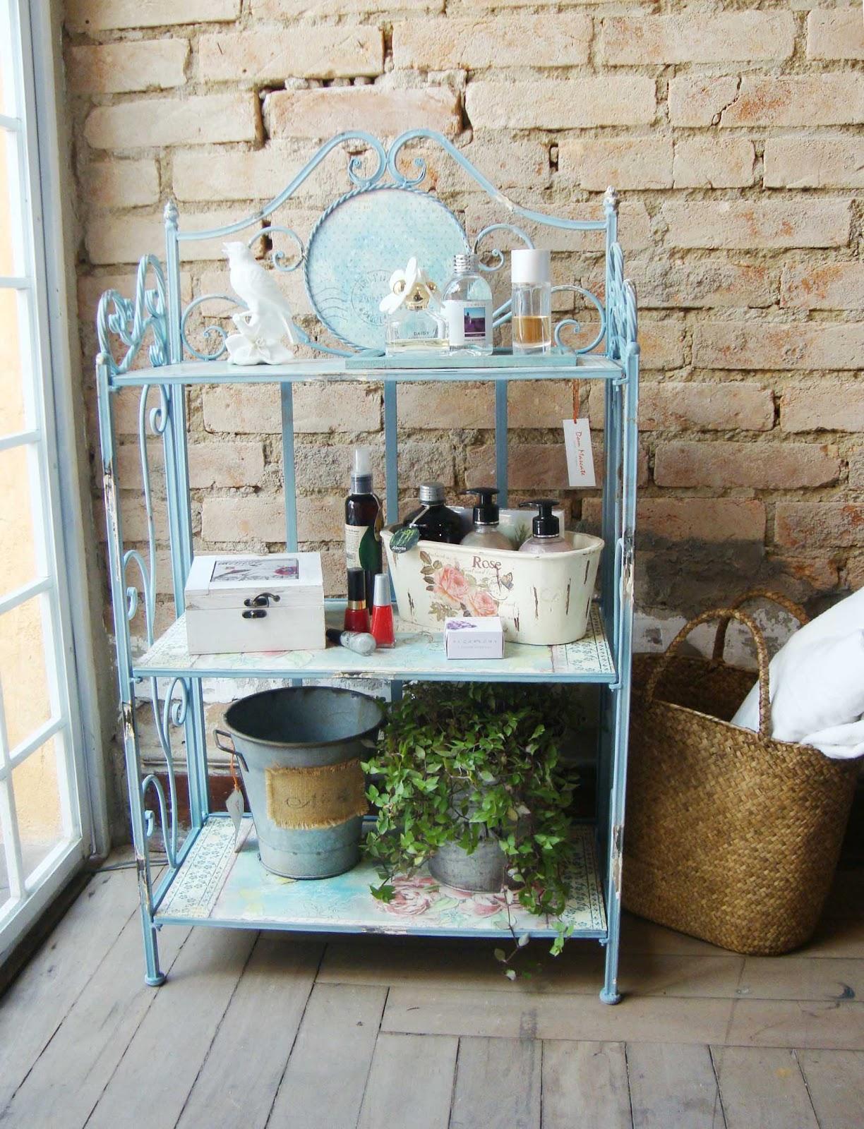 Serralheria de Charme: Banheiro organizado e charmoso ao mesmo tempo #634A31 1224x1600 Banheiro Com Decoração Azul