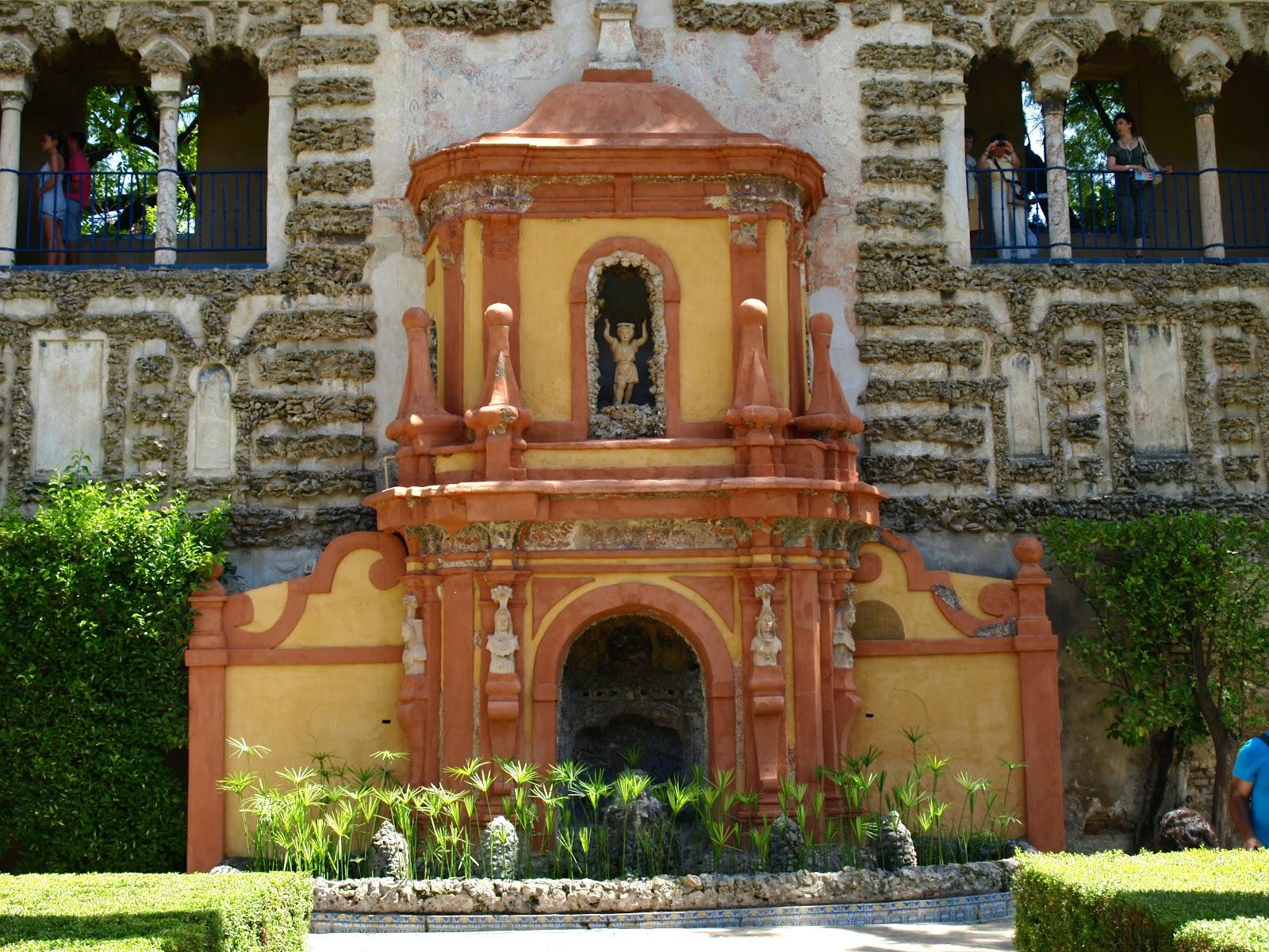 Sevilla daily photo alc zar 33 la fuente de la fama - Jardines de sevilla ...
