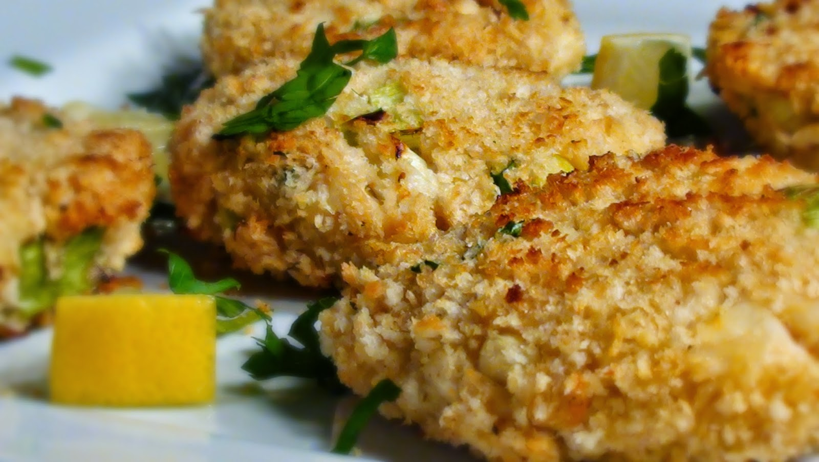 Baked fish with savory bread crumbs recipe dishmaps for Baked fish cakes