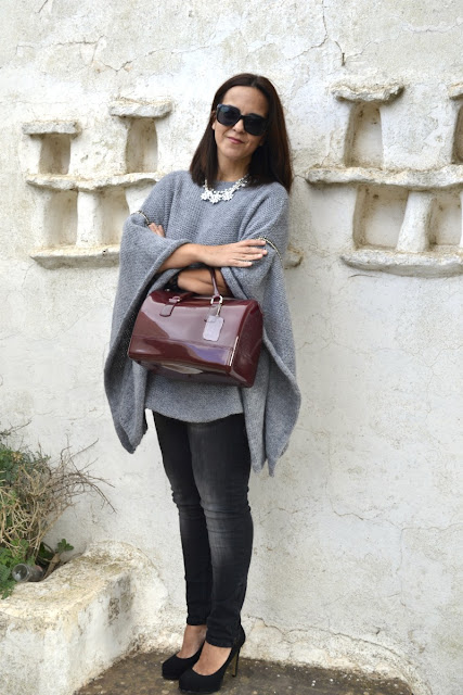 Jersey_Poncho_Outfit_Post_Zara_Firmo_glasses_08