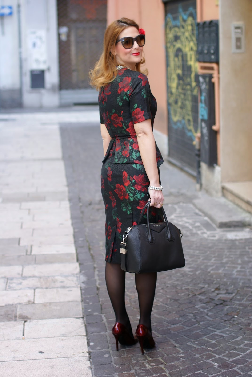 Asos rose print peplum dress seen from the back looking like a Dolce & Gabbana dress on Fashion and Cookies fashion blog