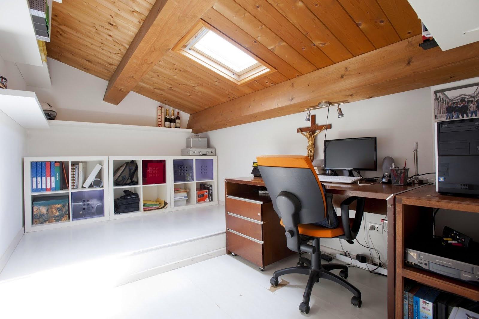 Stanza Uso Ufficio Of Per Informazioni Commerciali Appartamento In Residence