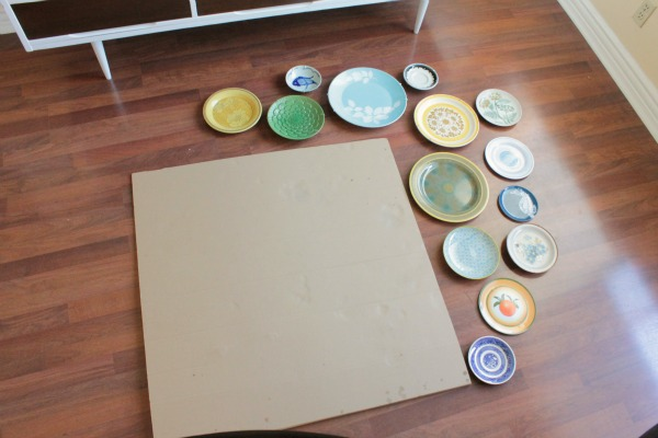easy to hang, modern plate wall
