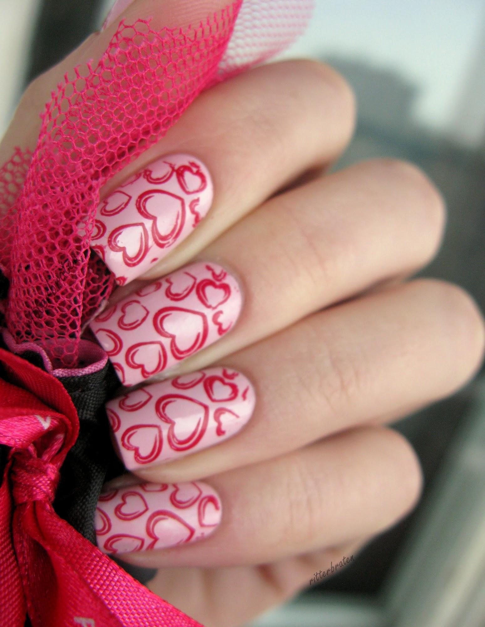 St Valentine nail art