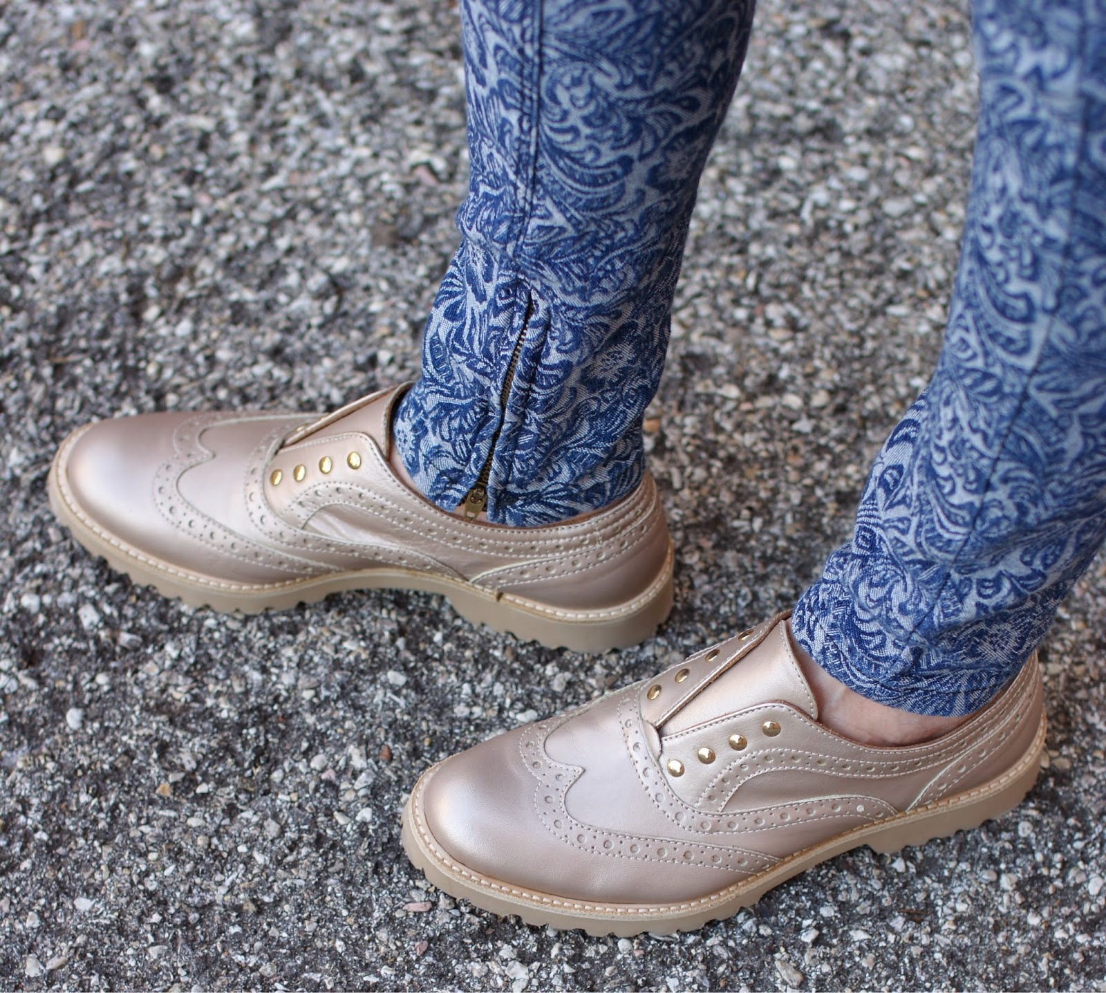 Lemaré shoes, metallic oxfords, slip on oxford shoes, Fashion and Cookies, fashion blogger