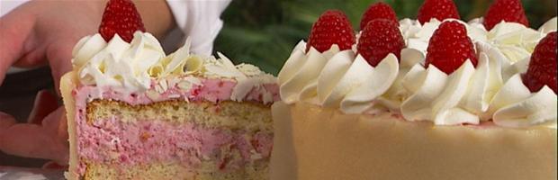 Lækkerbisken: Hindbærlagkage fra Mette Blomsterberg