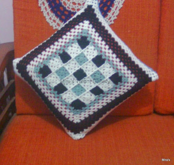 Miras Talent Gallery My Hobby Lounge Crochet Cushion Cover