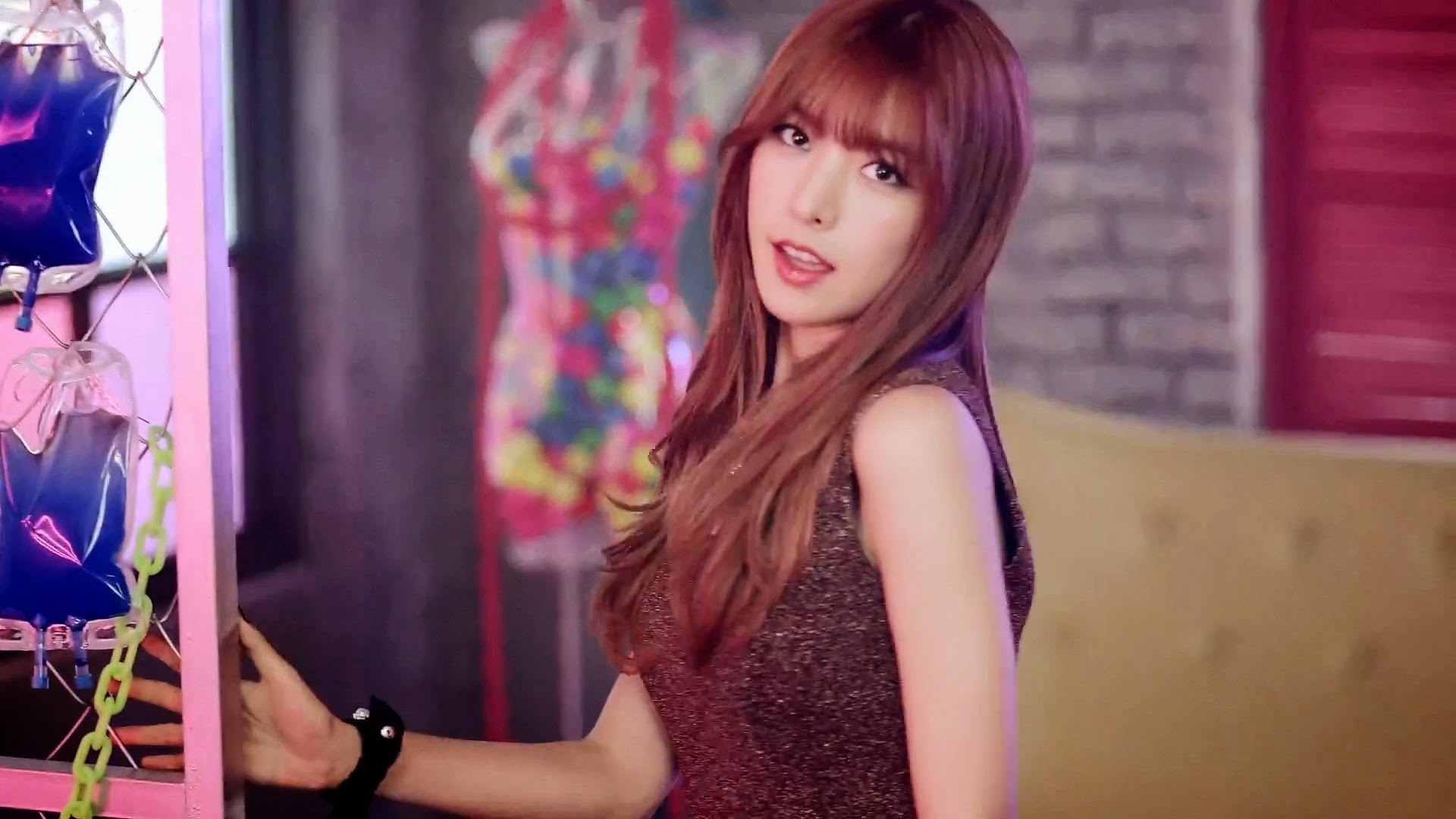 HelloVenus StickySticky Alice